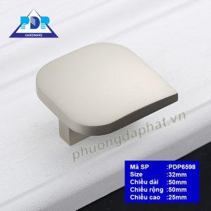 Núm Tủ với chất liệu inox sẵn sàng thách thức thời gian, với thiết kế độc đáo nhưng không hề đơn điệu mà rất tinh tế sang trọng